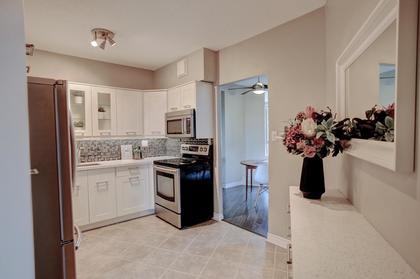 Kitchen at 1809 - 5250 Lakeshore Road, Appleby, Burlington