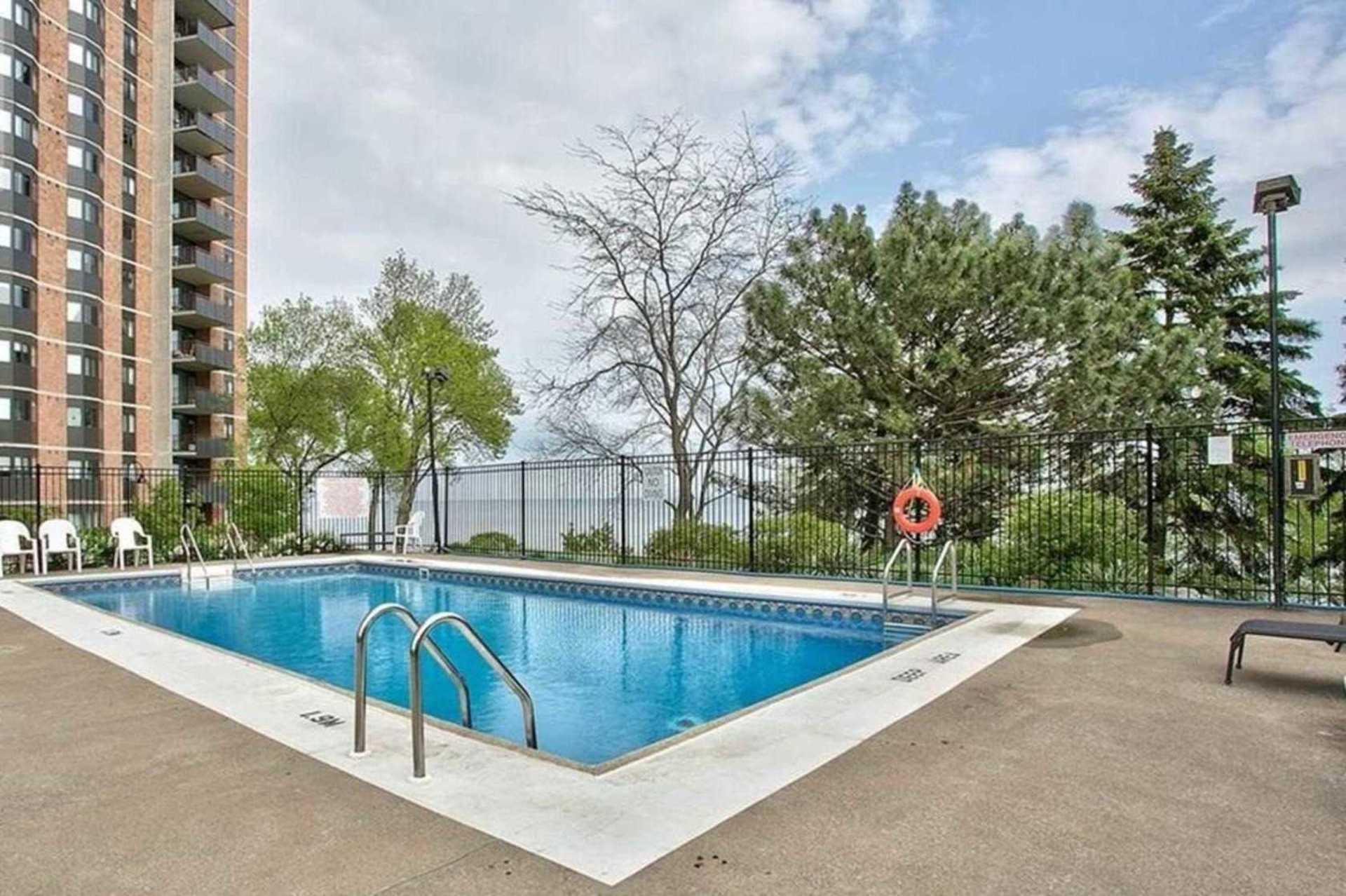 Outdoor Pool at 1809 - 5250 Lakeshore Road, Appleby, Burlington