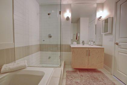 206-1 Hurontario St-Master En Suite at 206 - 1 Hurontario Street, Port Credit, Mississauga