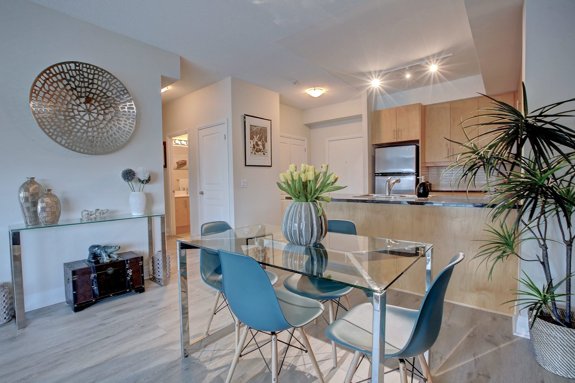 206-1 Hurontario St-Open Concept Dining/Kitchen at 206 - 1 Hurontario Street, Port Credit, Mississauga