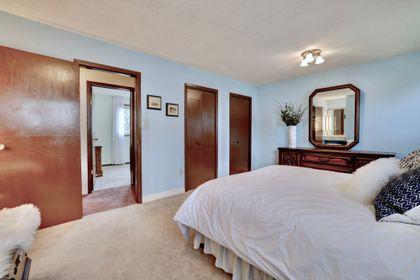 101-solingate-dr-oakville-master-closets at 101 Solingate Drive, Bronte West, Oakville