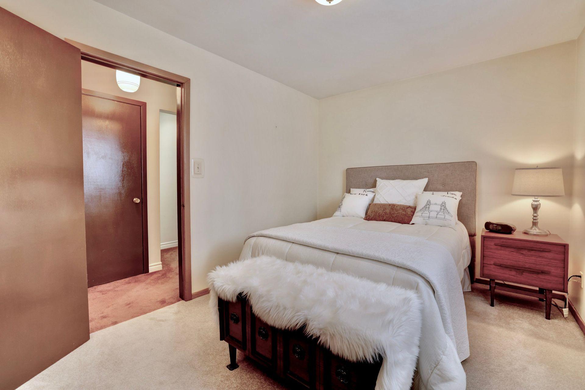 101-solingate-dr-oakville-bedroom1 at 101 Solingate Drive, Bronte West, Oakville