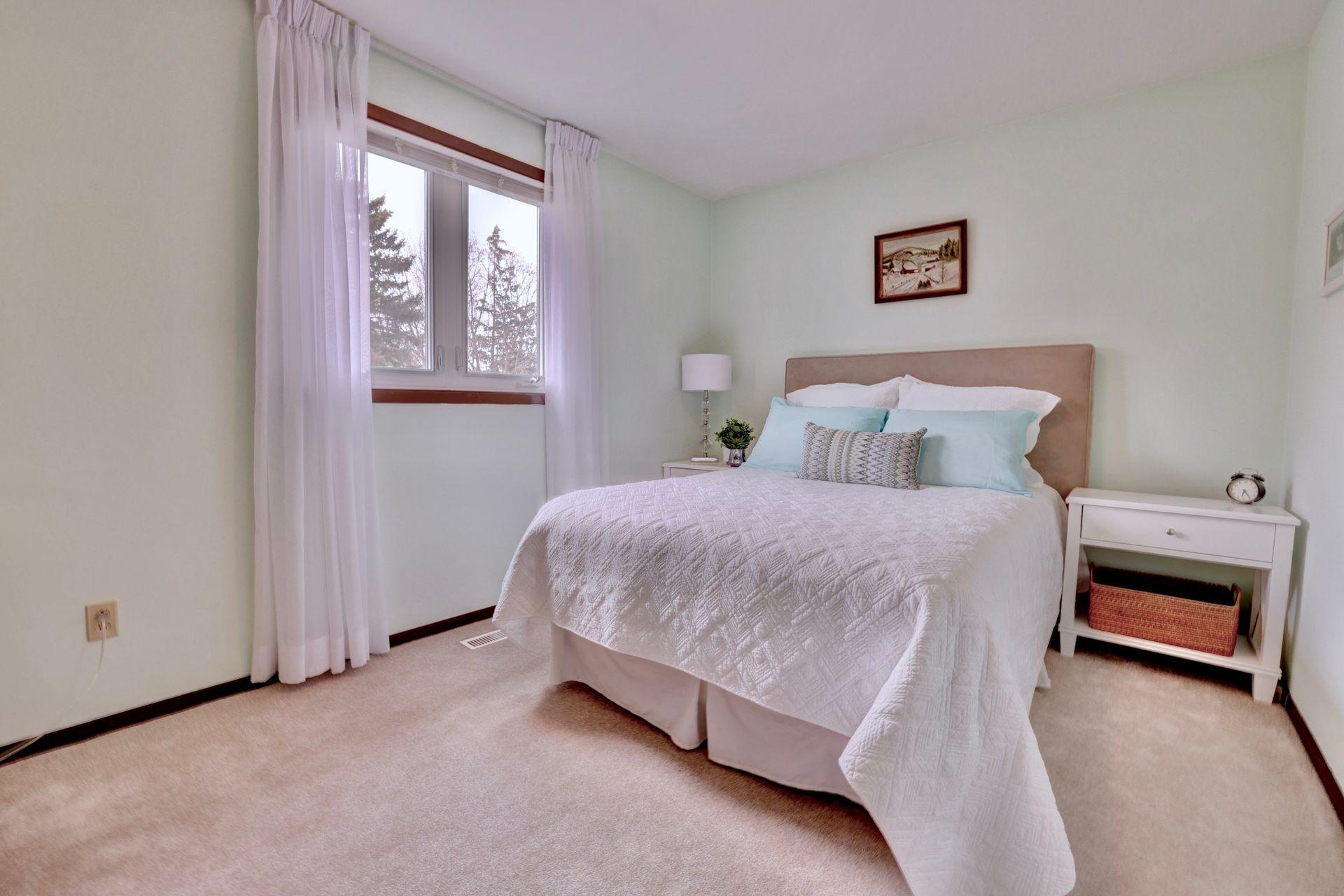 101-solingate-dr-oakville-bedroom2 at 101 Solingate Drive, Bronte West, Oakville