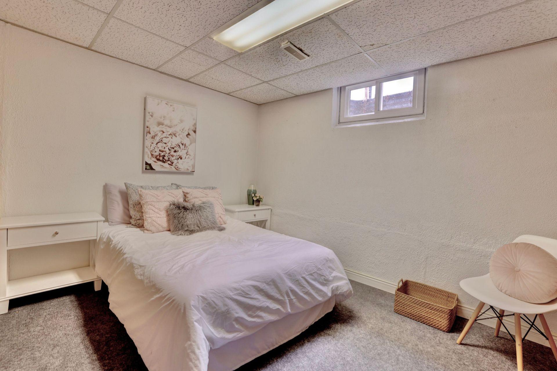 101-solingate-dr-oakville-bedroom4 at 101 Solingate Drive, Bronte West, Oakville