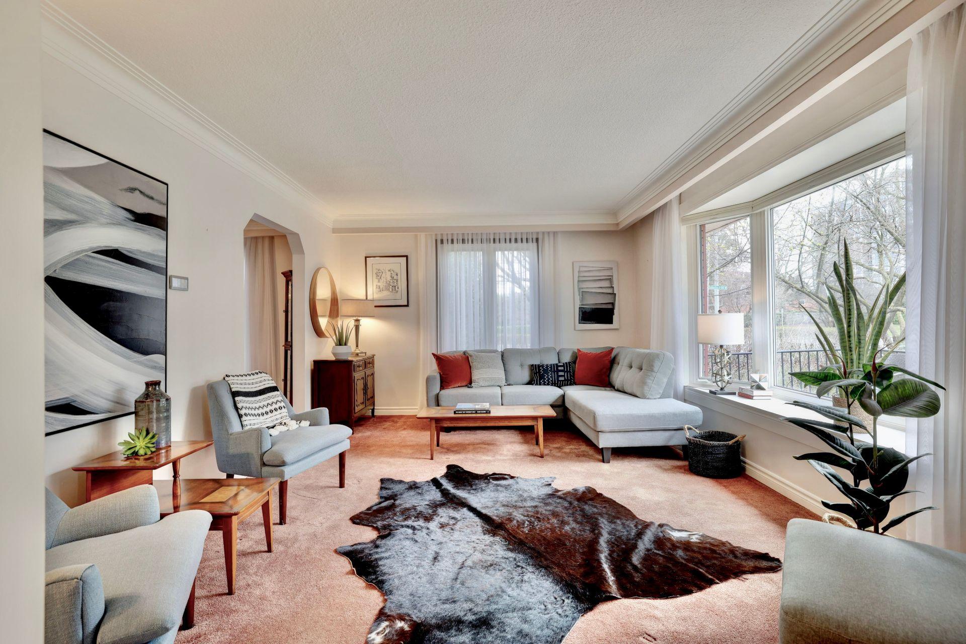 101-solingate-dr-oakville-living-room at 101 Solingate Drive, Bronte West, Oakville