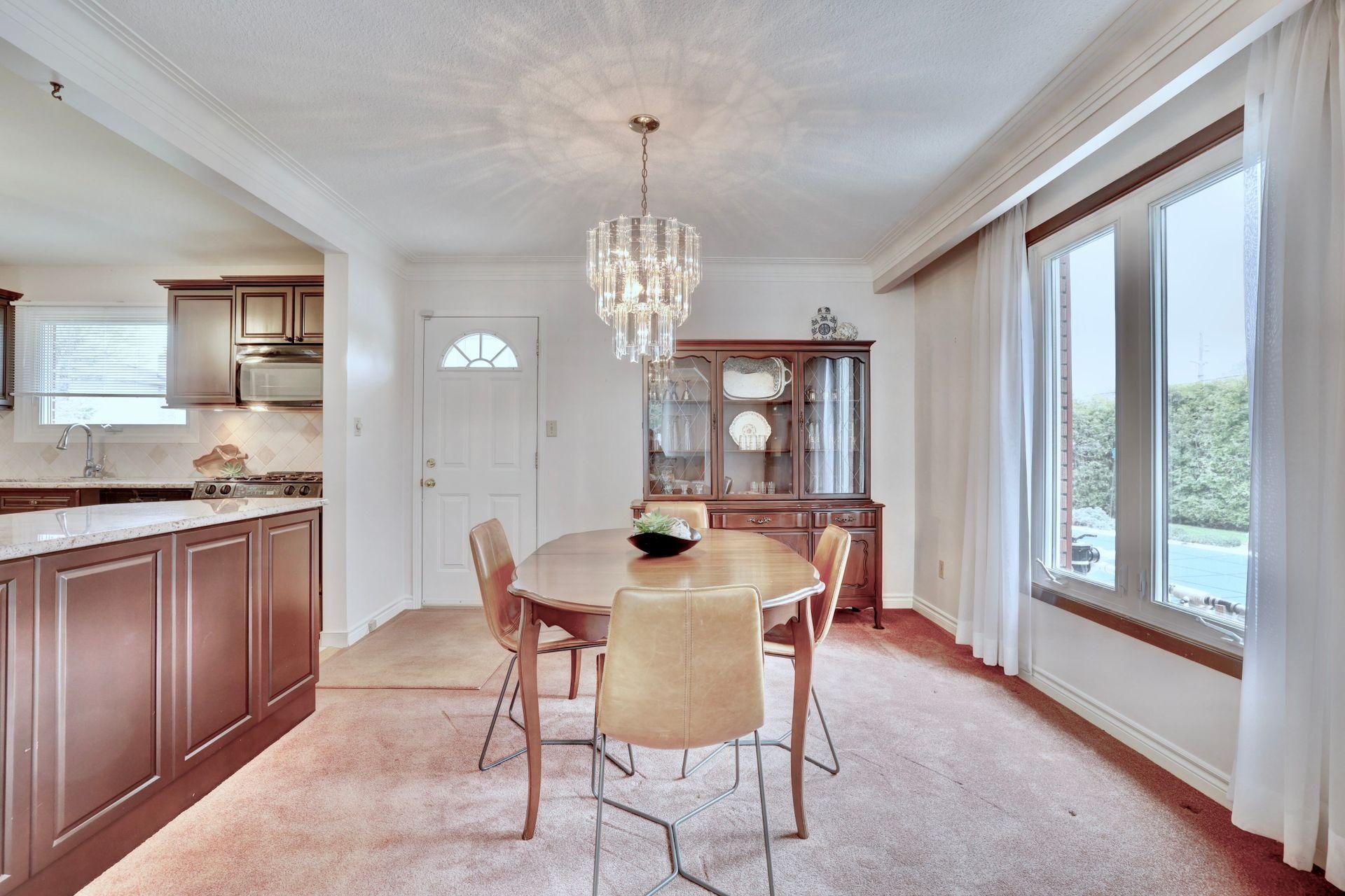 101-solingate-dr-oakville-dining-room at 101 Solingate Drive, Bronte West, Oakville