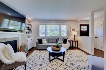 249-lakeview-ave-burlington-living-room2 at 249 Lakeview Ave, Burlington,