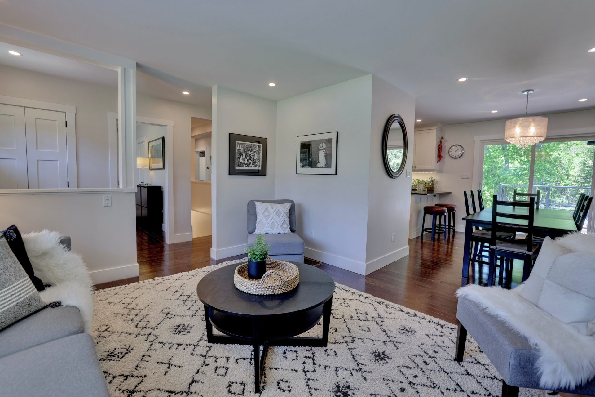 249-lakeview-ave-burlington-living-room at 249 Lakeview Ave, Burlington,