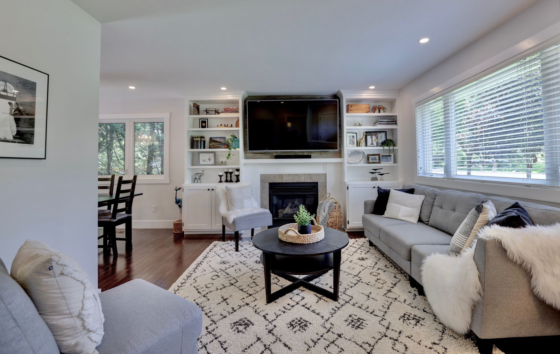 249-lakeview-ave-burlington-living-room1 at 249 Lakeview Ave, Burlington,