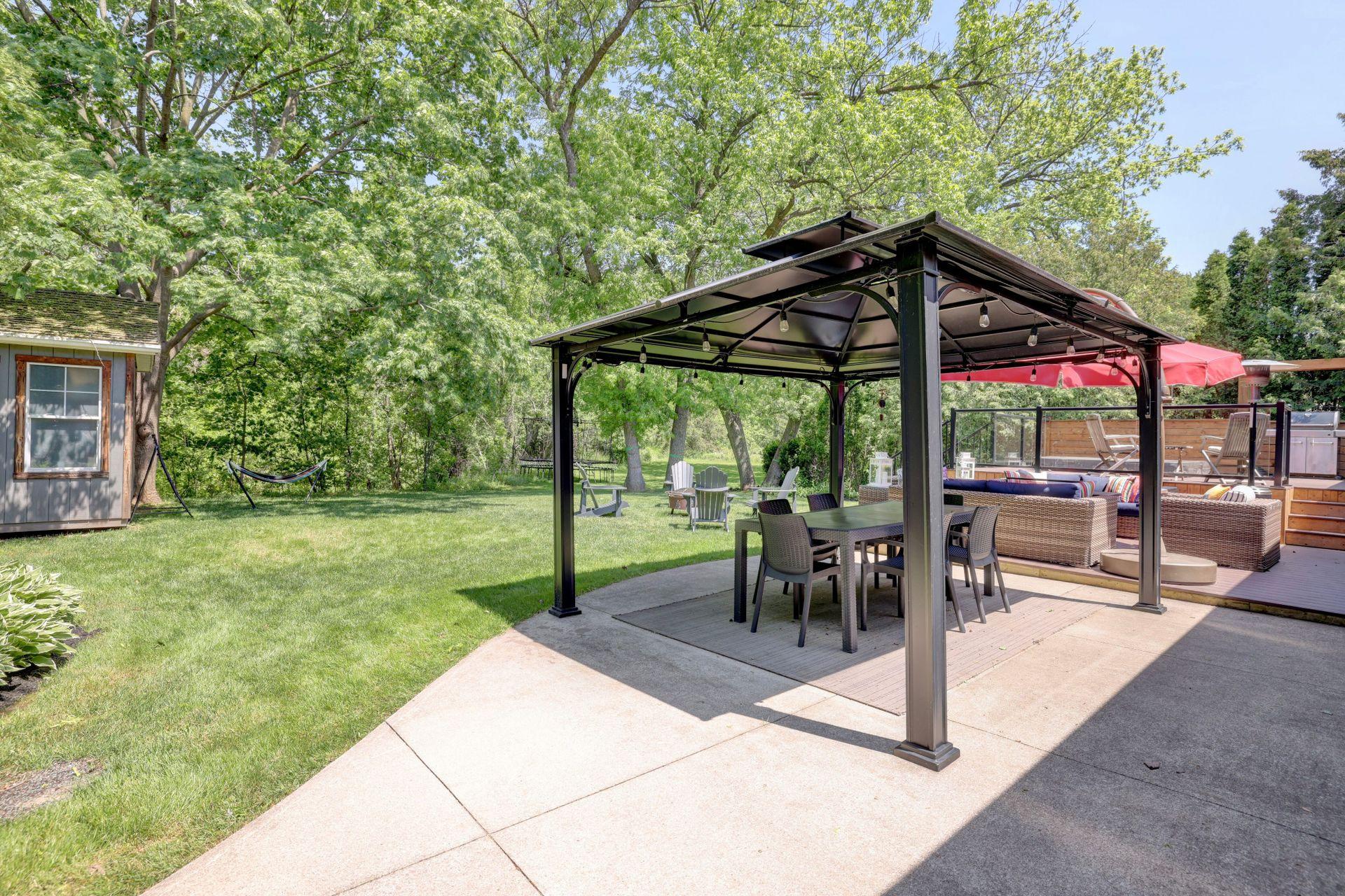 249-lakeview-ave-burlington-lower-patio at 249 Lakeview Ave, Burlington,
