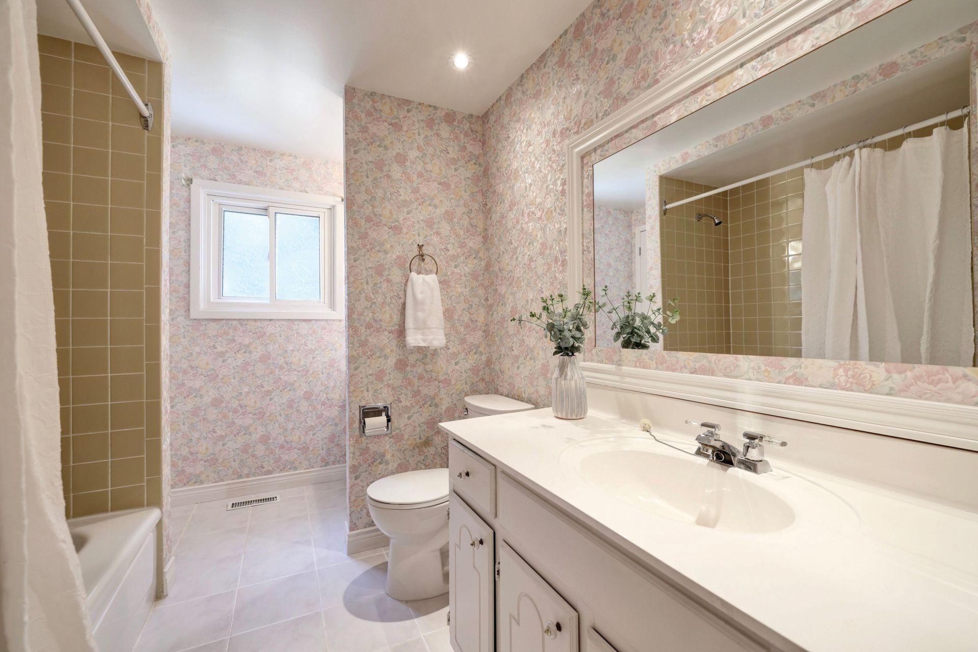 Main Bath (Semi En Suite) at 2205 Elmhurst Avenue, Oakville
