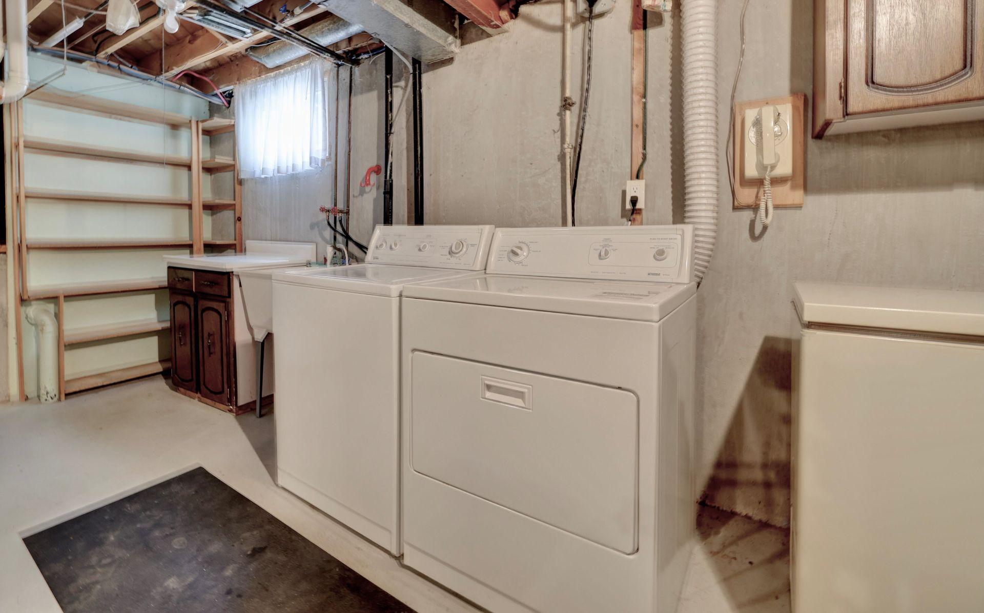 Laundry at 2205 Elmhurst Avenue, Oakville