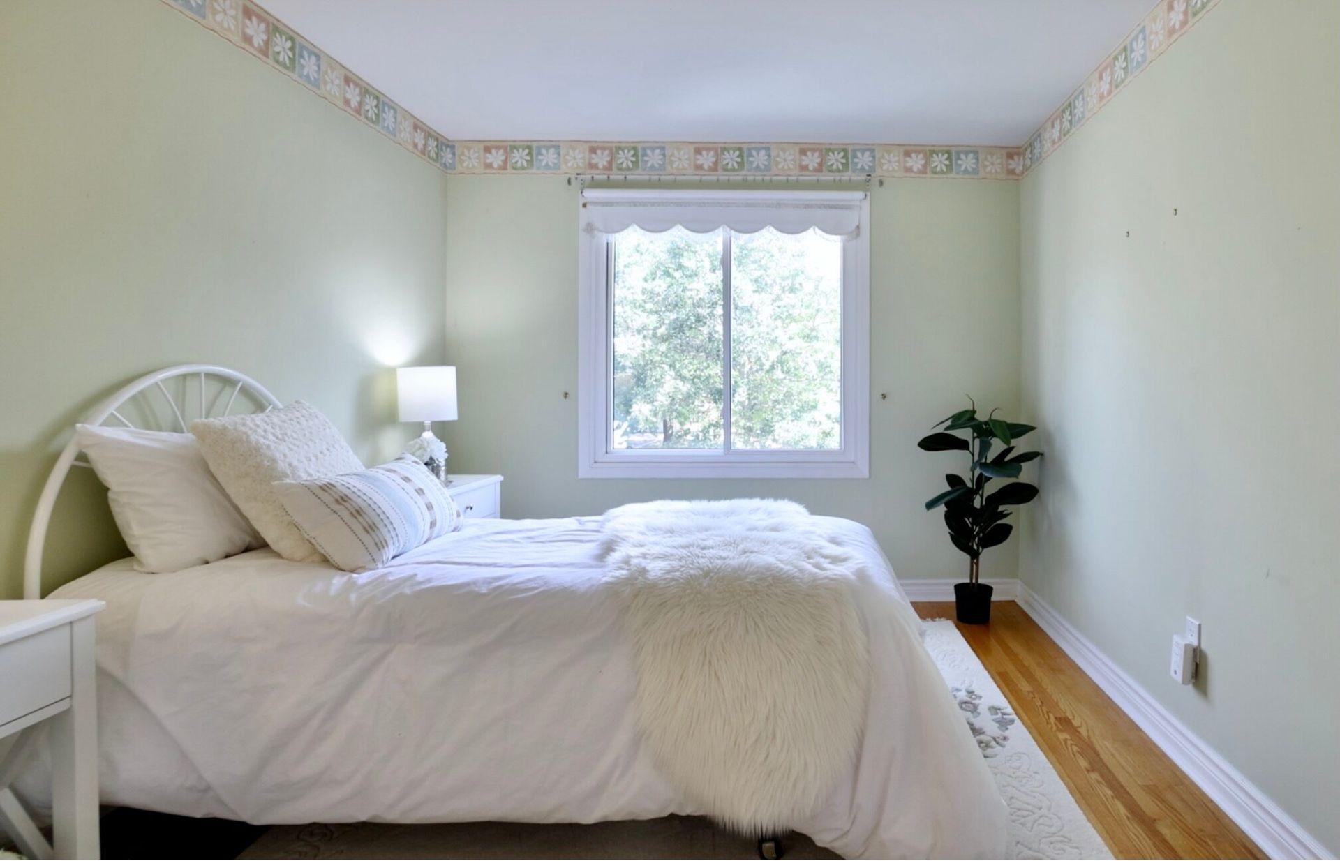 Bedroom 3 at 2205 Elmhurst Avenue, Oakville