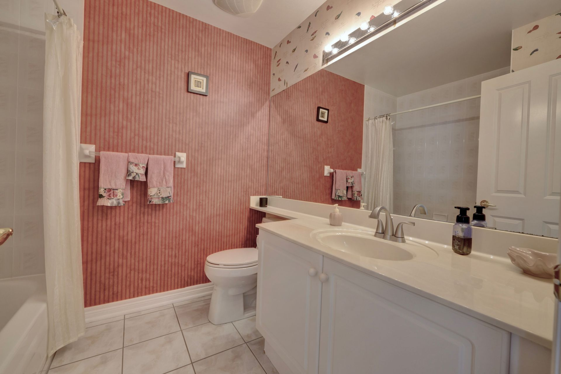 Bath at 501 - 50 Old Mill Road, Oakville