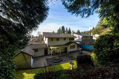 4054-ruby-avenue-edgemont-north-vancouver-17 at 4054 Ruby Avenue, Edgemont, North Vancouver