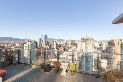 claire-garner-photography-real-estate-eric-grant-web-20 at 3301 - 1255 Seymour, Yaletown, Vancouver West