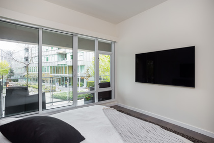 14 at 202 - 160 Athletes Way, False Creek, Vancouver West