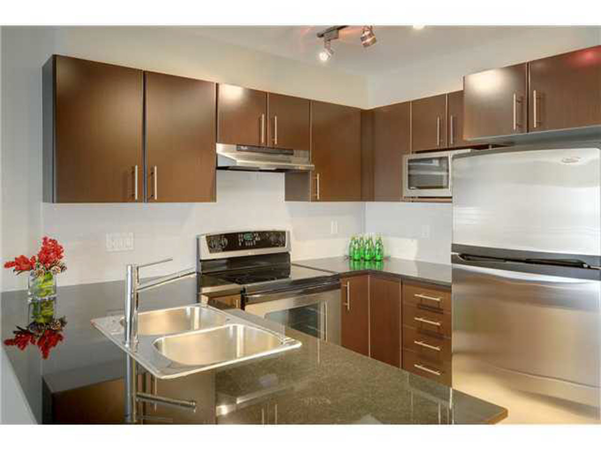 Kitchen at 428 - 1633 Mackay Avenue, Pemberton NV, North Vancouver