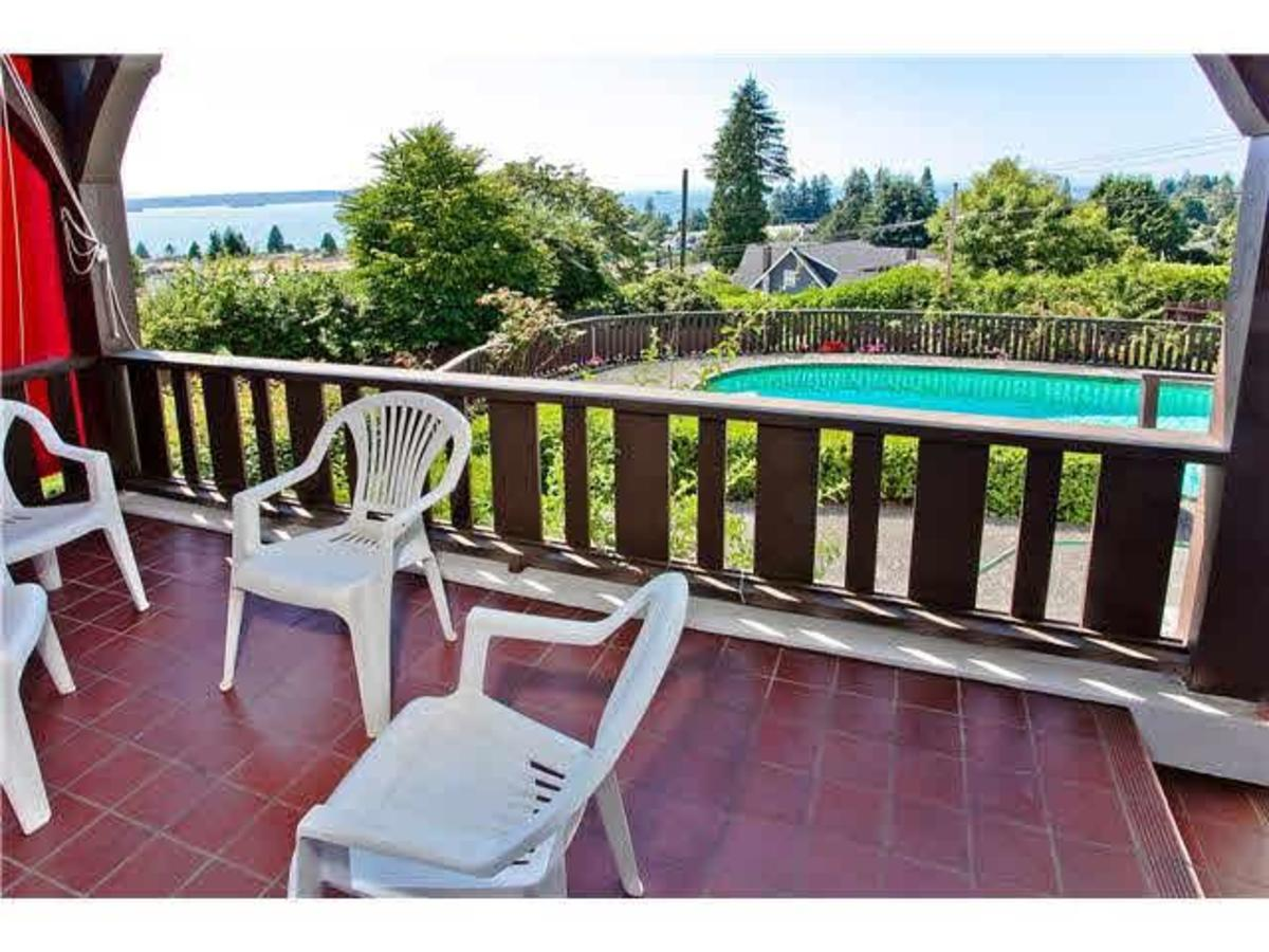 Patio at 2288 Mathers Avenue, Dundarave, West Vancouver