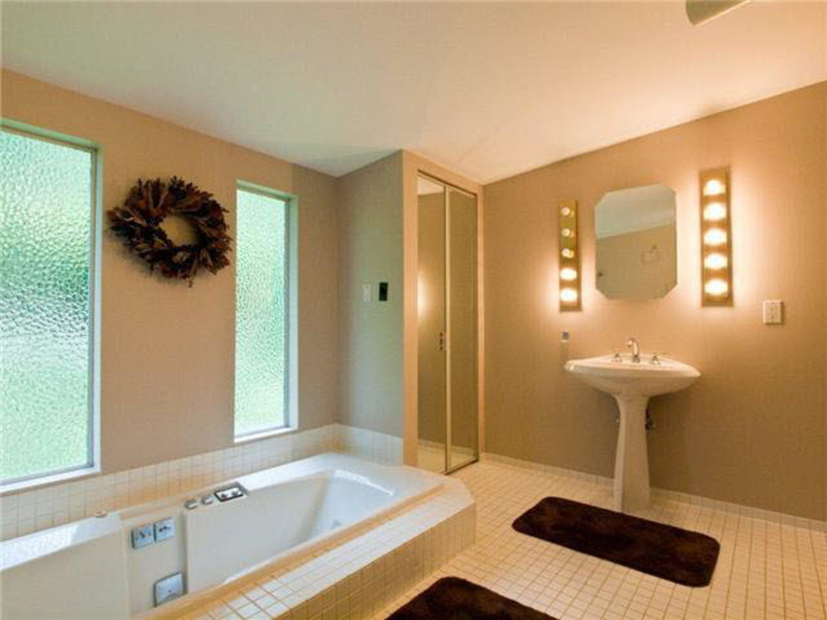 Master Bath at 2288 Mathers Avenue, Dundarave, West Vancouver