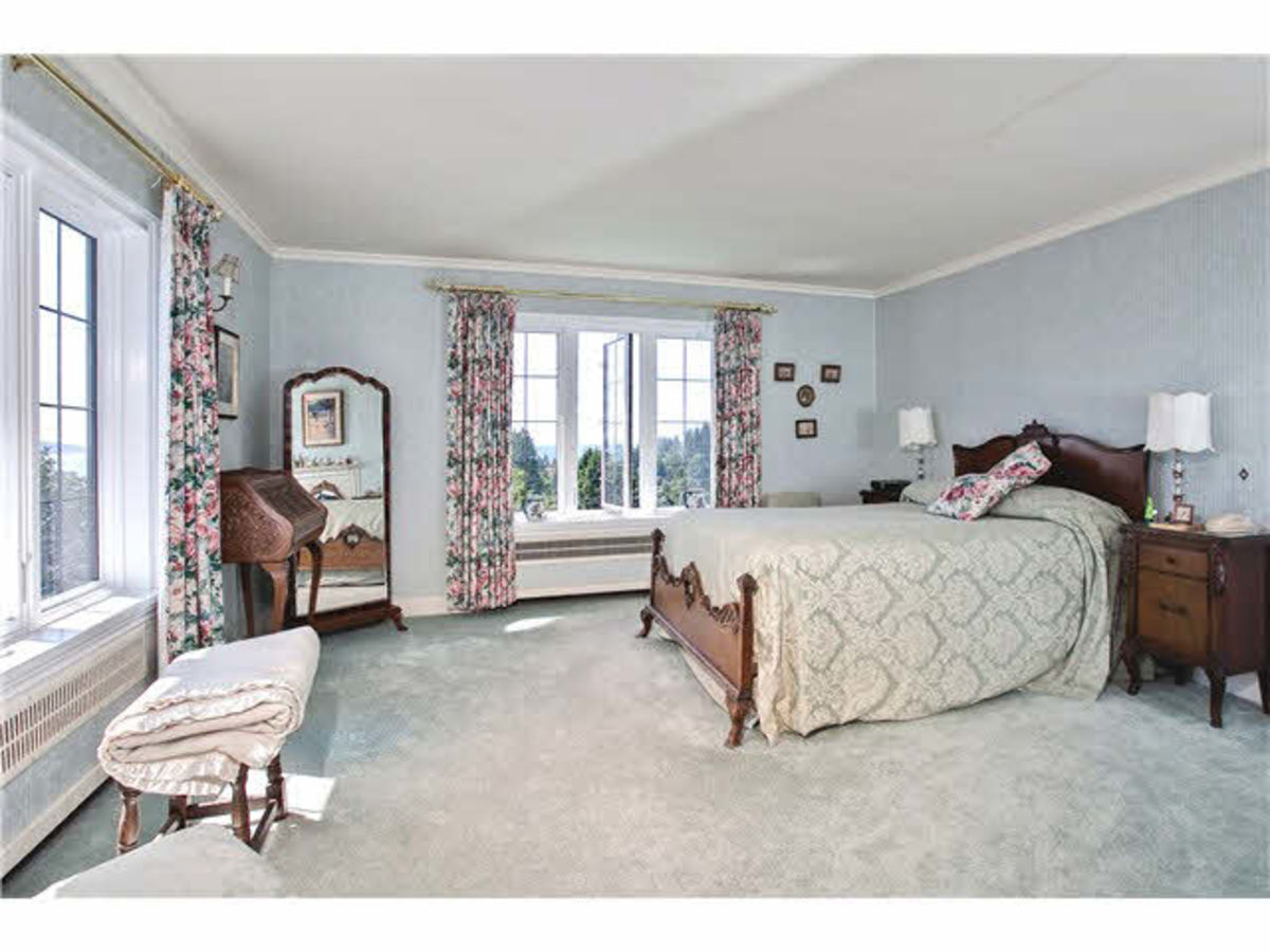 Master bedroom at 2288 Mathers Avenue, Dundarave, West Vancouver
