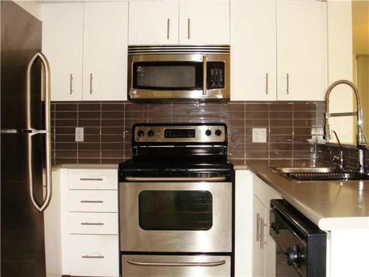 Kitchen at 1802 - 555 Jervis Street, Coal Harbour, Vancouver West