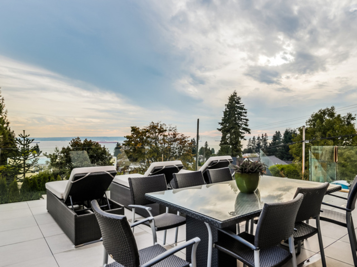 12 at 2292 Mathers Avenue, Dundarave, West Vancouver