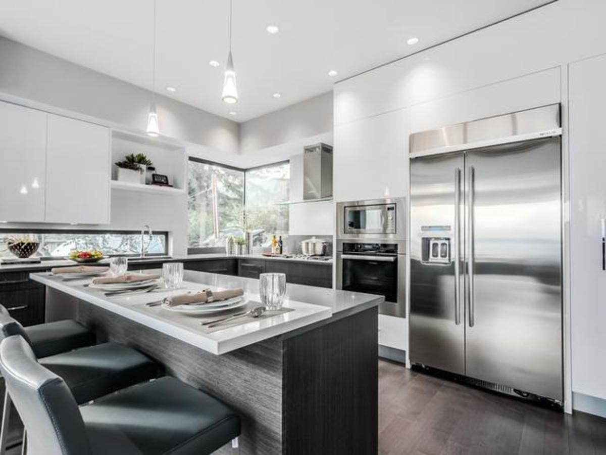7 (1) at 2292 Mathers Avenue, Dundarave, West Vancouver