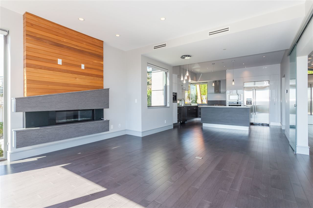Living at 2292 Mathers Avenue, Dundarave, West Vancouver