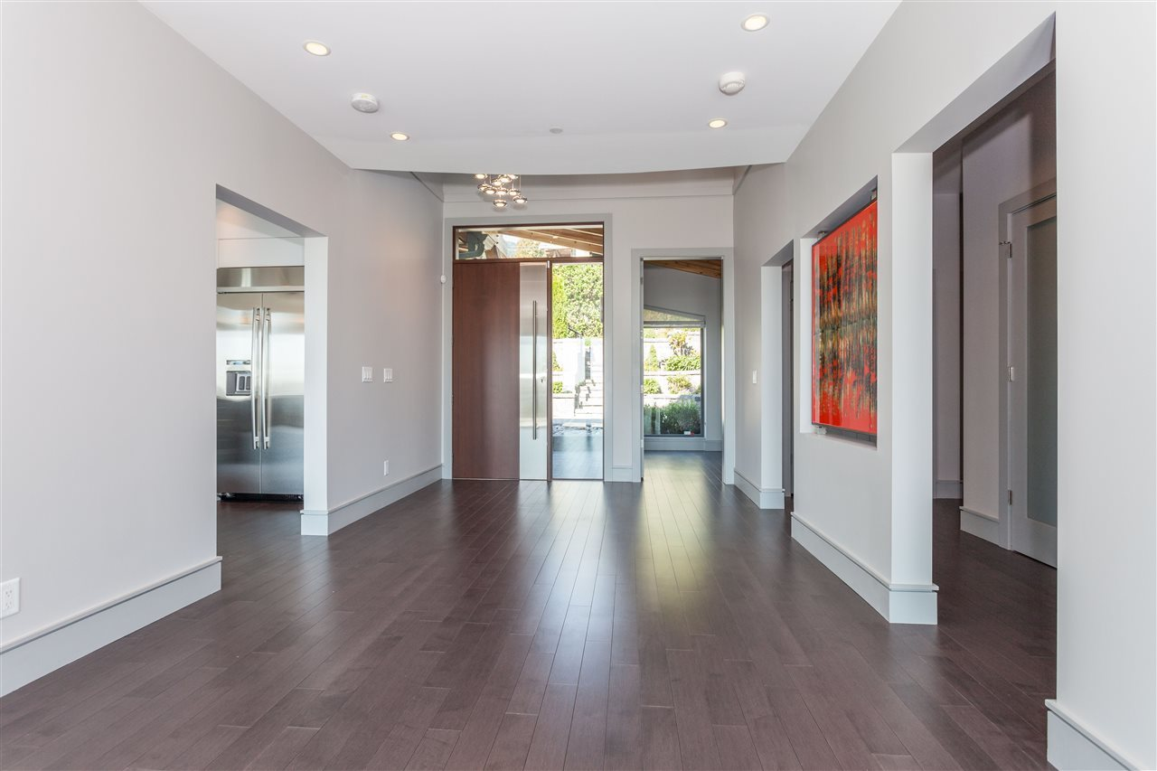 Foyer at 2292 Mathers Avenue, Dundarave, West Vancouver