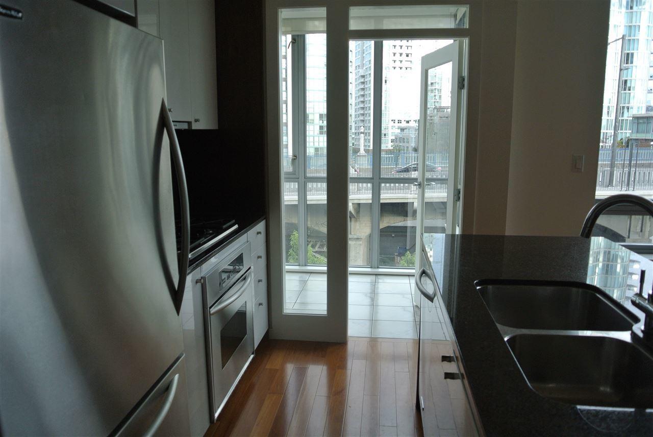 1005-beach-avenue-west-end-vw-vancouver-west-10 at 701 - 1005 Beach Avenue, West End VW, Vancouver West