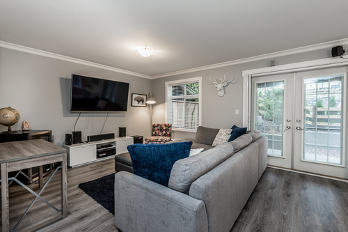 37239_18 at 21 - 193 6852, Clayton, Cloverdale