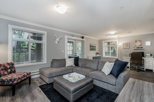 37239_19 at 21 - 193 6852, Clayton, Cloverdale