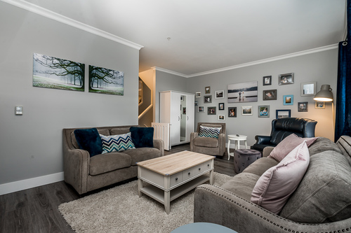37239_6 at 21 - 193 6852, Clayton, Cloverdale