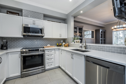 37239_9 at 21 - 193 6852, Clayton, Cloverdale