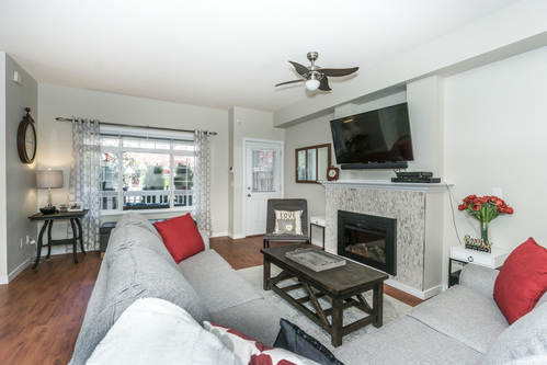37301_12 at 21 - 193 6852, Clayton, Cloverdale