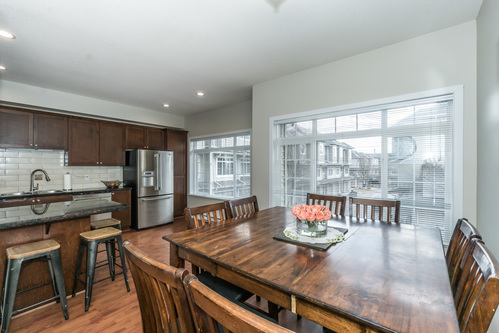 37301_19 at 21 - 193 6852, Clayton, Cloverdale