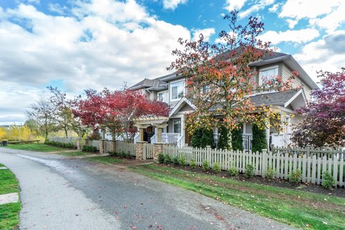 37301_2 at 21 - 193 6852, Clayton, Cloverdale