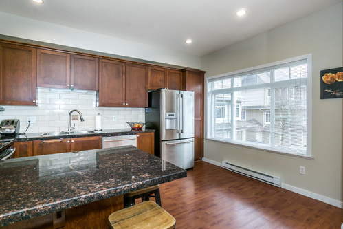 37301_20 at 21 - 193 6852, Clayton, Cloverdale