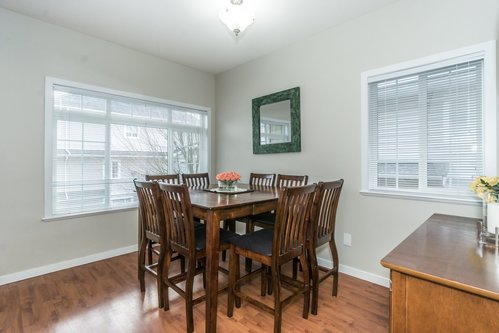 37301_22 at 21 - 193 6852, Clayton, Cloverdale
