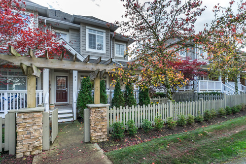 37301_3 at 21 - 193 6852, Clayton, Cloverdale