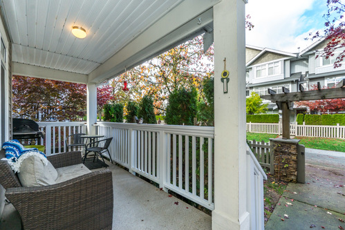 37301_33 at 21 - 193 6852, Clayton, Cloverdale