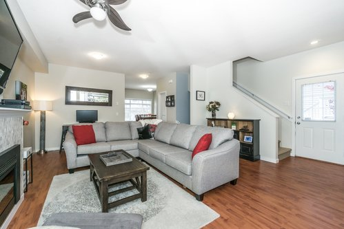 37301_8 at 21 - 193 6852, Clayton, Cloverdale