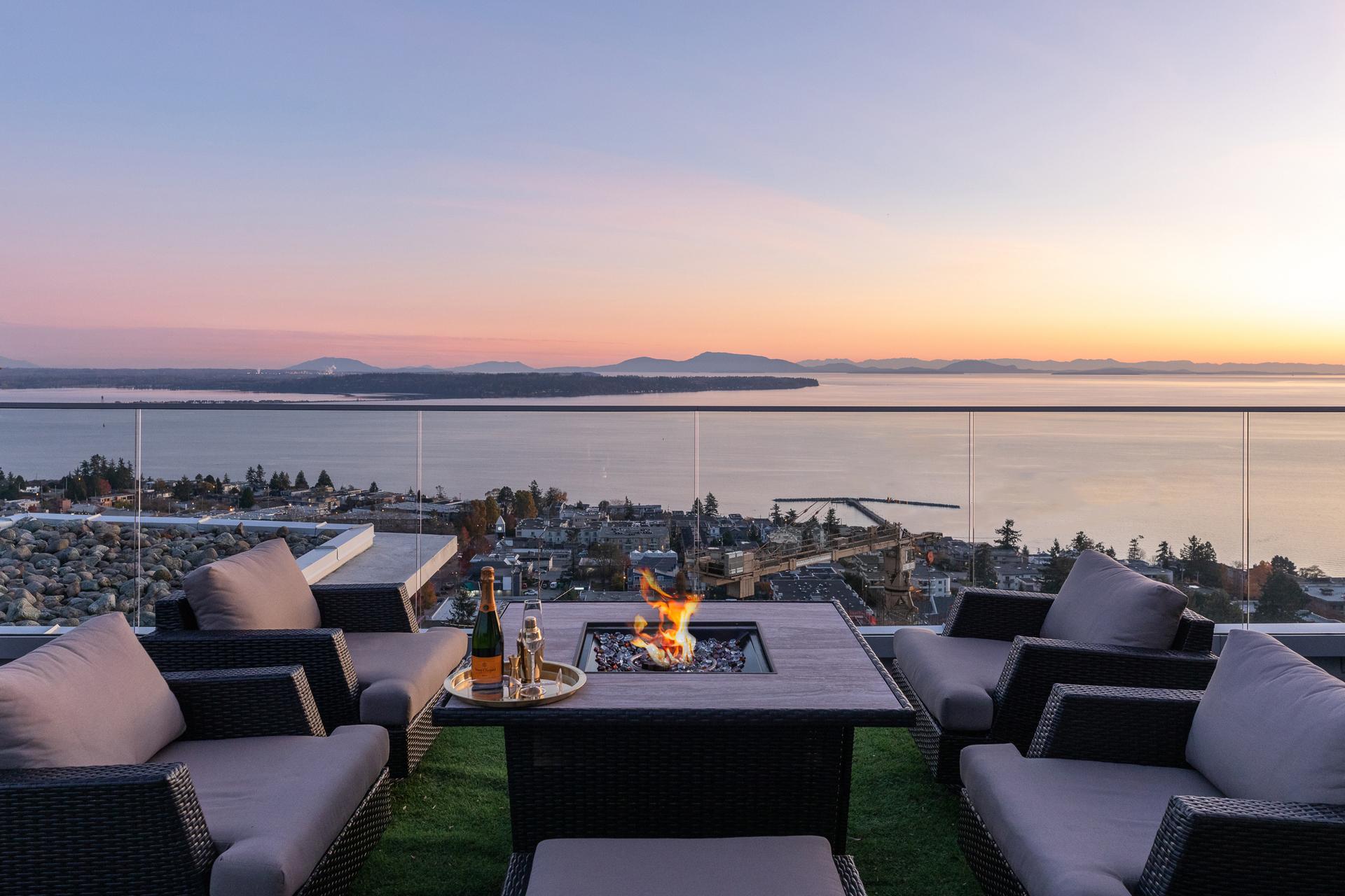 White Rock Luxury Penthouse,