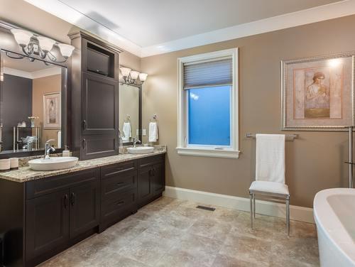 16_bathroom04 at 354 198 Street -  Langley,