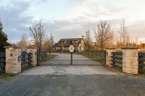 capulet-properties_hpec_entrance1 at High Point Equestrian Centre -  South Langley,
