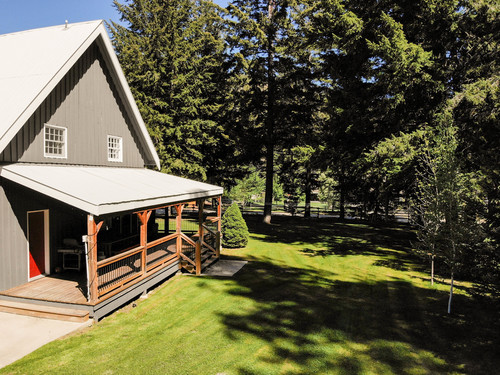 capulet-properties_otter-lake-living-cottage-and-coach-house-02 at Otter Lake Living -  Cottage And Coach House,