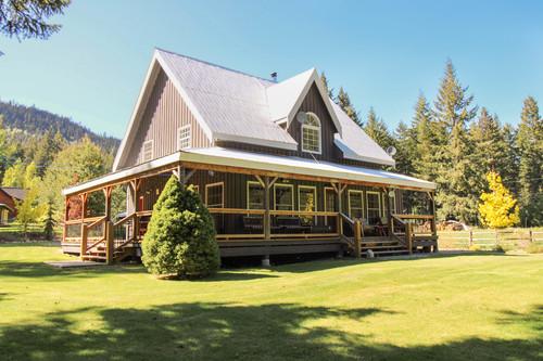 capulet-properties_otter-lake-living-cottage-and-coach-house-03 at Otter Lake Living -  Cottage And Coach House,