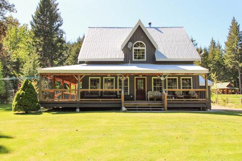 capulet-properties_otter-lake-living-cottage-and-coach-house-05 at Otter Lake Living -  Cottage And Coach House,