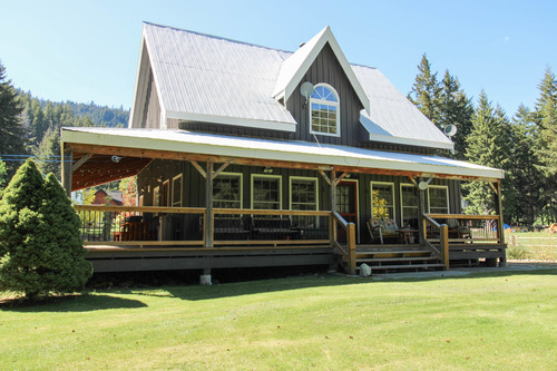 capulet-properties_otter-lake-living-cottage-and-coach-house-06 at Otter Lake Living -  Cottage And Coach House,